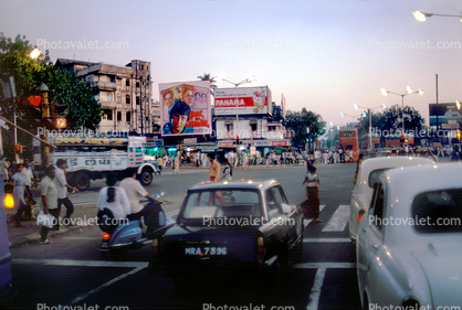 Cars, City Street Scene, Intersection, crowded, vespa, automobile, vehicles, Mumbai