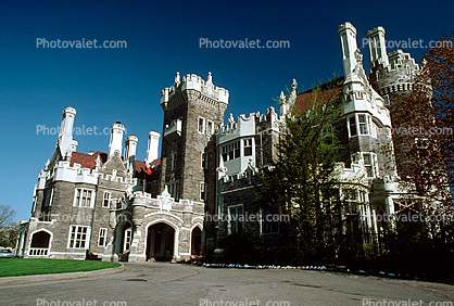 Casa Loma Gothic Revival Style Mansion Uptown Toronto Castle