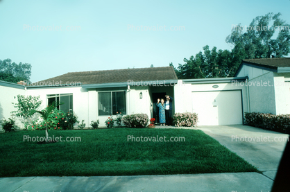 Home, House, frontlawn, garage, Couple, Man, Woman