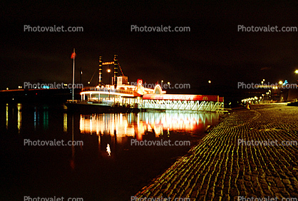 paddle wheel steamboat on the Mississippi River, Night, Nighttime, Exterior, Outdoors, Outside