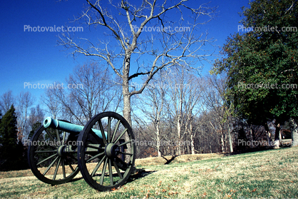 Confederate Cannon, Ft. Donaldson, Memorial for Confederate Soldiers, Artillery, gun, racist