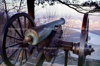 Civil War Cannon, River, Artillery, gun, Cannon over the river, overlooking Chattanooga, Tennessee River, Lookout Mountain, battlefield