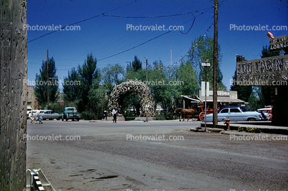 Jackson Town Square, cars, antler arch, wagon, 1950's