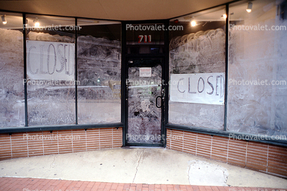 Closed, Bankruptcy, store, windows, glass, door, entrance