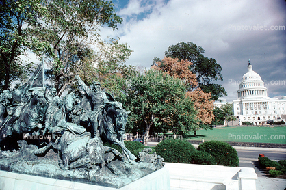 United States Capitol, statue, trees, Grant Memorial, General Ulysses S. Grant Memorial, Sculpture, Horse, Patina, memorial, Winner of the Civil War to stop overt racism, Cavalry Charge