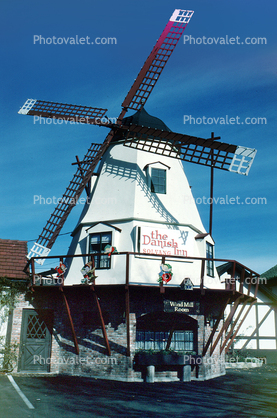 The Danish Inn, Windmill, Building