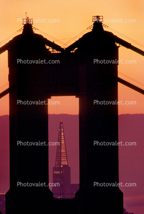 Golden Gate Bridge, Transamerica Pyramid, Sunrise