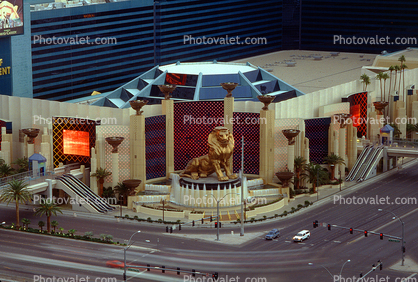 MGM Hotel, Casino, Buildings, Lion Statue, roadside
