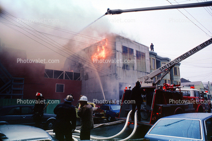 Flames, snorkle, SFPD, building, Mission District, San Francisco