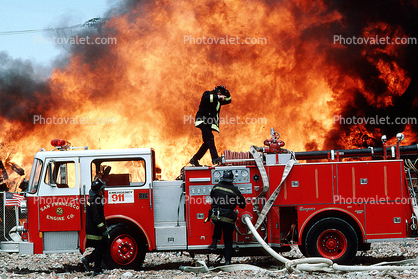 Mission Bay, San Francisco, Seagrave Truck, Fire Engine, Flames from hell