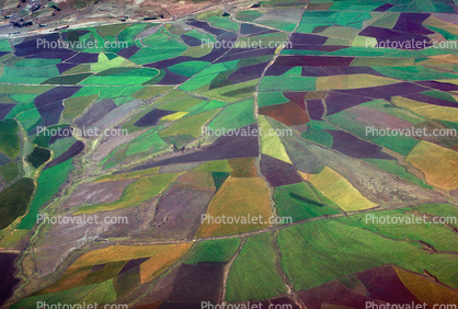 Farmfields over Ethiopia, Patchwork Quilt, patchwork, checkerboard patterns, farmfields