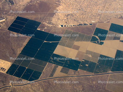 over the Central Valley, near Fresno, Aqueduct, Central California, patchwork, checkerboard patterns, farmfields