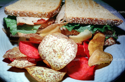 sandwich, vegetable chips