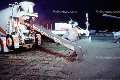 Leveling Machine, device, leveler, early morning pouring cement for a large floor, Cement Concrete Mixer