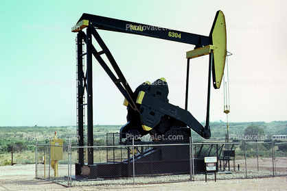 SSAU, Pumpjack, also known as nodding donkeys, pumping units, horsehead pumps, beam pumps, sucker rod pumps (SRP), grasshopper pumps, thirsty birds and jack pumps