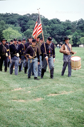 Marching soldiers, infantry, color guard, drums, drummer, Civil War