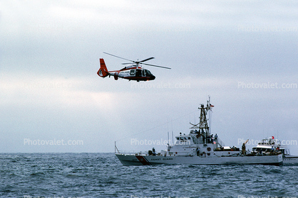 HH-65 Dolphin, USCGC Sapelo (WPB-1314), Island Class 110-foot patrol boat, USCG