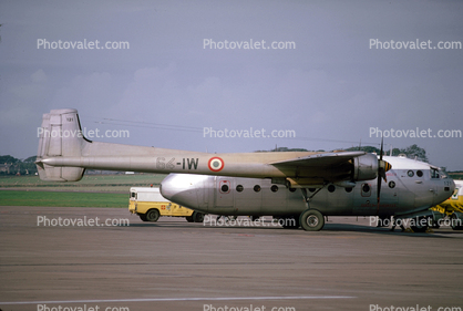 121, 64-IW, French Air Force, Nord 2501, Noratlas, military transport aircraft, airplane, prop