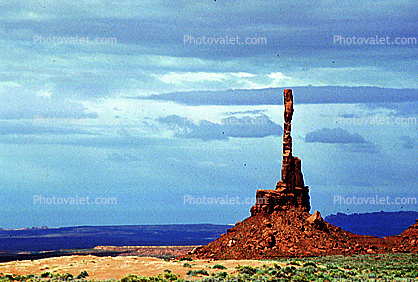 Totem Pole spire, geologic feature, butte, Monument Valley, Arizona