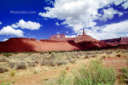 Mesa, Mountains, Castleton Tower, knob, cumulus clouds, Castle Valley, east of Moab, geologic feature, clouds, butte, spire