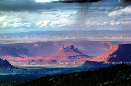 Virga, Rain, Mountains, clouds, Castle Valley, east of Moab, Castleton Tower, geologic feature, butte