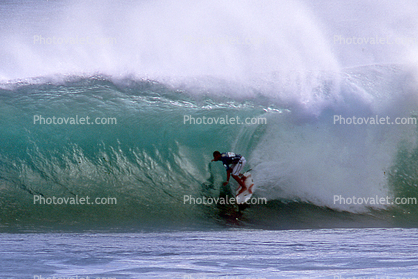 Pipeline, North Shore, Surfer, Surfboard