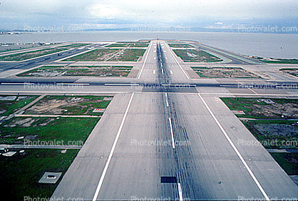 San Francisco International Airport (SFO), Runway
