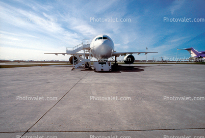N446FE, Airbus A310-222F, JT9D-7R4E, Kyler, FedEx, head-on, pushback, pusher tug, pushertug, JT9D