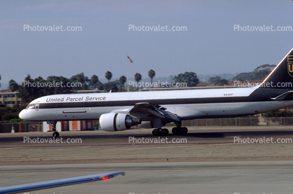 N431UP, UPS, thrust reversers, Boeing 757-24APF, PW2000, PW2040, 757-200 series,