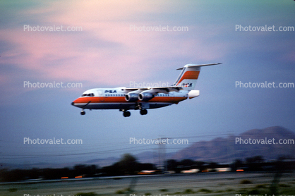 N359PS, BAe-146-200, PSA Pacific Southwest Airlines, landing, Las Vegas