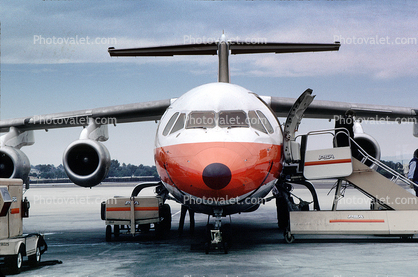 PSA, Pacific Southwest Airlines, head-on