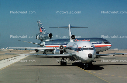 Jets lined up for take-off, American Airlines AAL, Boeing 727, Douglas DC-10