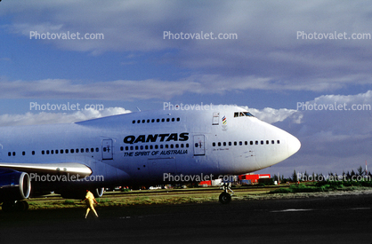 "VH-ECB, Qantas Airlines, Boeing 747-238B, ""City of Swan Hill"", 747-200 series, Tahiti, RB211-524D4, RB211"