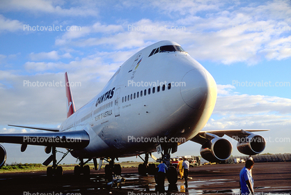"VH-ECB, Qantas Airlines, Boeing 747-238B, ""City of Swan Hill"", 747-200 series, RB211-524D4, RB211"