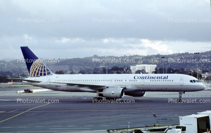 Boeing 757-224, N14120, San Francisco International Airport (SFO), Continental Airlines COA, RB.211, RB211
