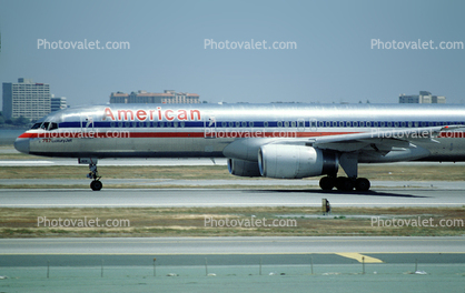 N7667A, American Airlines AAL, Boeing 757-223, San Francisco International Airport (SFO), 757-200 series, RB211-535E4B, RB211