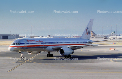 N688AA, American Airlines AAL, Boeing 757-223, RB211-535E4B, RB211, (SFO)