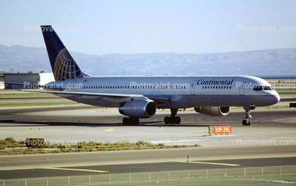 N48127, Boeing 757-224, San Francisco International Airport (SFO), Continental Airlines COA, RB211