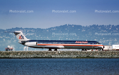 N452AA, American Airlines AAL, McDonnell Douglas MD-82, JT8D-217C, JT8D, (SFO)