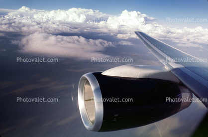 Rolls-Royce RB211 Jet Engine, Boeing 757, Lone Wing in Flight