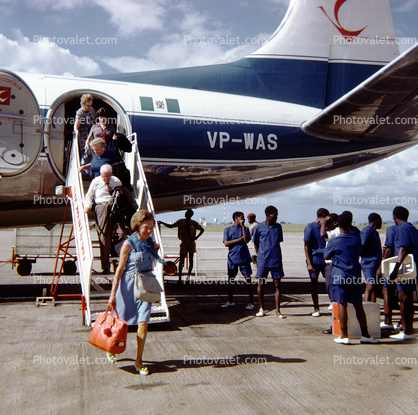VP-WAS, Air Rhodesia, Passengers deplaning, Vickers/BAC Viscount-768D, 1950's