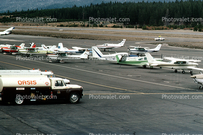 Oasis Refueling Truck, Runway, Lake Tahoe Airport TVL, Refueling Truck, Fueling, Ground Equipment, refueling, tanker, Fuel Truck, Vehicle