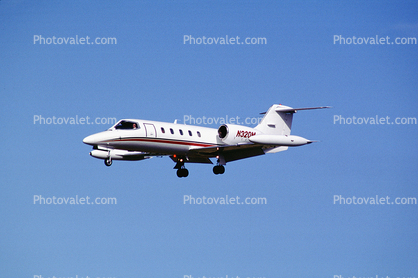 N320M, Bombardier Learjet 35A, wingtip fuel tanks