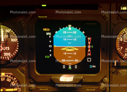 Artificial Horizon, Dash-8 Cockpit