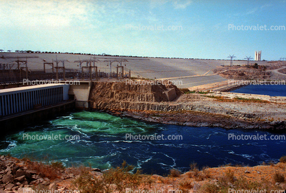 Aswan High Dam, Nile River