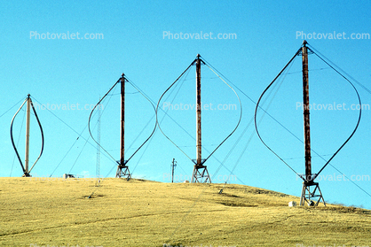 Darius-type wind turbine, Wind farms, Altamont Pass, Egg Beater