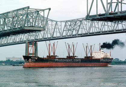 Searanger, Bulk Carrier, The Crescent City Connection, (formerly the Greater New Orleans Bridge), CCC, Interstate Highway I-910, Mississippi River, New Orleans