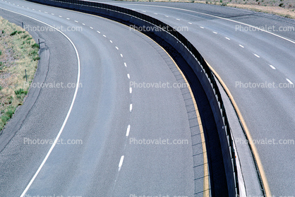Curve, Freeway, Lanes, Dashed Lines, Interstate Highway I-15