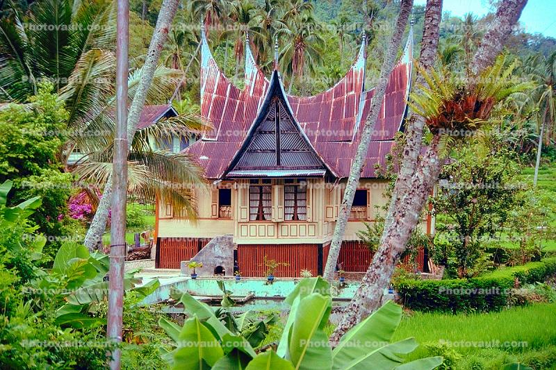 Temple, spiked roof, building, Lake Maninjan, Danau Maninjau, West Sumatra, Indonesia
