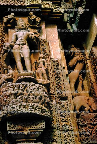 Statues, Sculpture, Carving, bar-Relief, Sun Temple, Konarak, Orissa, 1950s